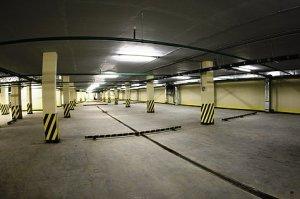Парковаться на теплых подземных или многоэтажных парковках